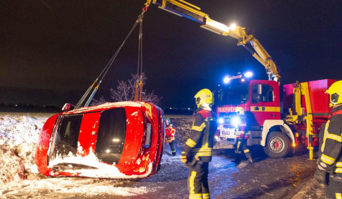 20181211_015448590_Verkehrsunfall